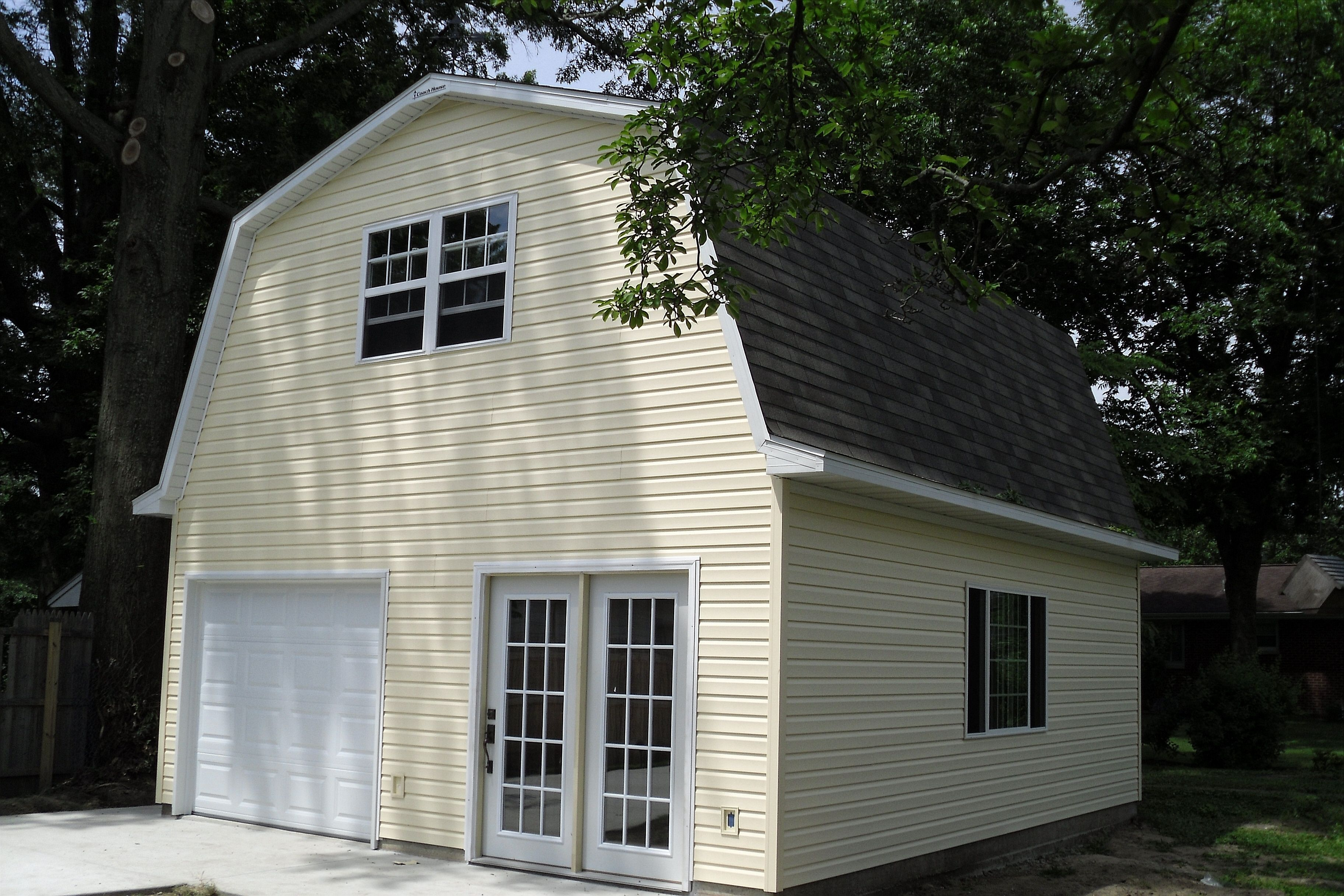 Barn Style Garages With Living Space Above    Roof House