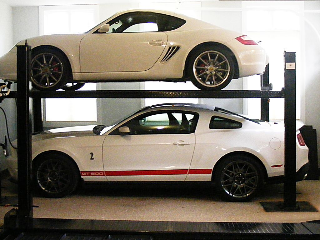 Garage Storage - Auto Car Lift, 4 Post For Storing Prized